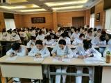 365bet体育护理部组织护士护理理论考试