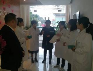 医院多部门联动督导落实清洁消毒工作