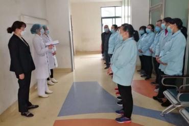 五冶医院护理部、院感办对护工进行新型冠状病毒感染防控培训